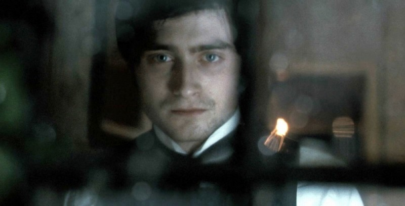 Daniel Radcliffe in un'eterea immagine tratta dal film The Woman in Black