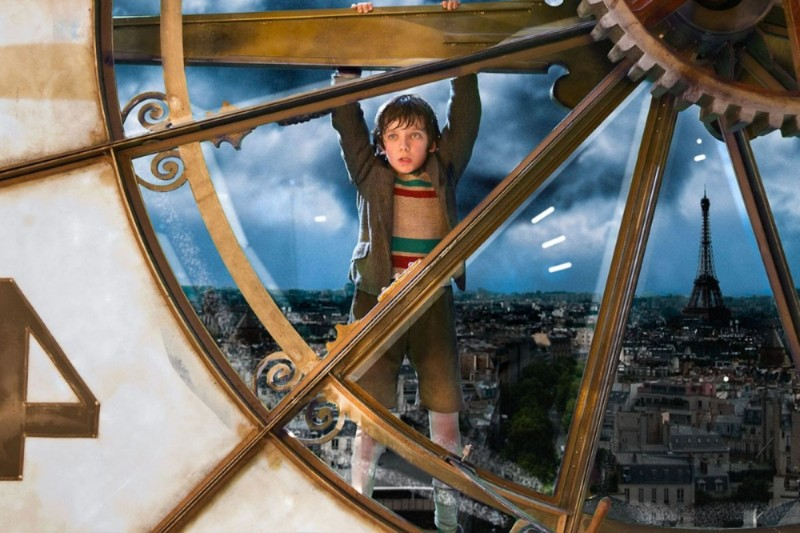 Hugo Cabret 3D: Asa Butterfield in una suggestiva immagine tratta dal film