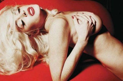 Lindsay Lohan nuda su Playboy USA (2011)