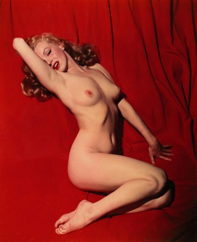 Marilyn Monroe in una leggendaria foto pubblicata da Playboy