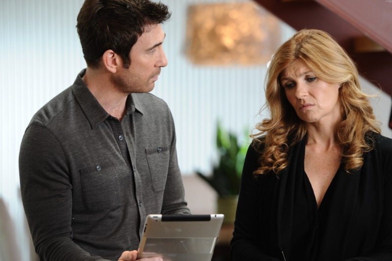 American Horror Story: Dylan McDermott con Connie Britton in Afterbirth, finale di stagione