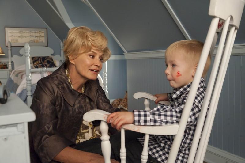 American Horror Story: Jessica Lange in Afterbirth, finale della prima stagione