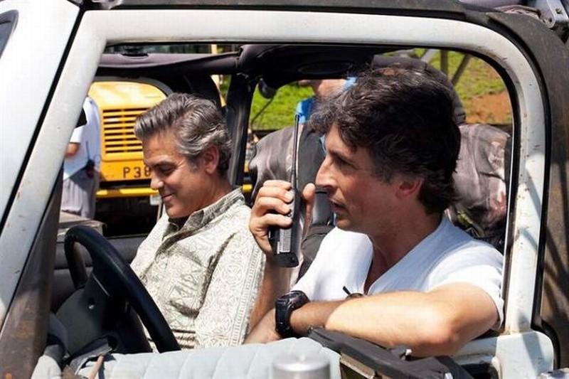 George Clooney in auto con Alexander Payne sul set di Paradiso amaro