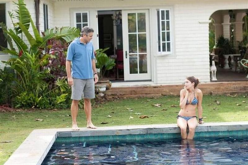 George Clooney in una scena di Paradiso amaro insieme alla 'figlia' Shailene Woodley