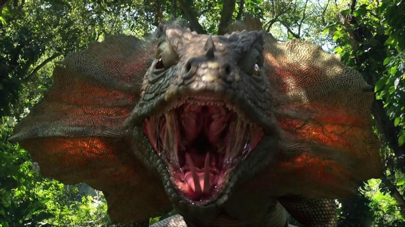 Viaggio nell'isola misteriosa: le fauci di un affamato dinosauro in un'immagine tratta dal film