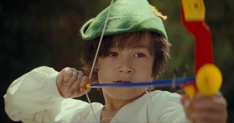 Il piccolo Jasper Newell in una scena del film E ora parliamo di Kevin