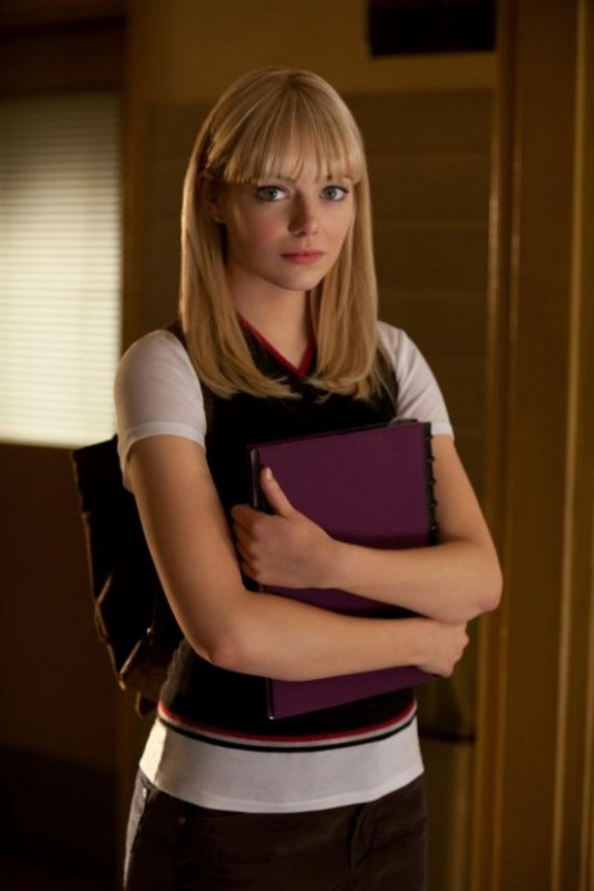 Emma Stone nei panni di Gwen Stacy in una bella immagine di The Amazing Spider-Man
