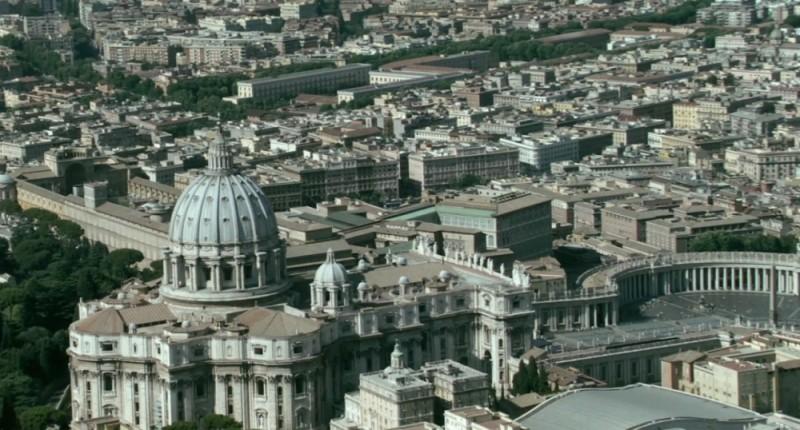L'altra faccia del diavolo: una foto panoramica di San Pietro in Roma tratta dal film