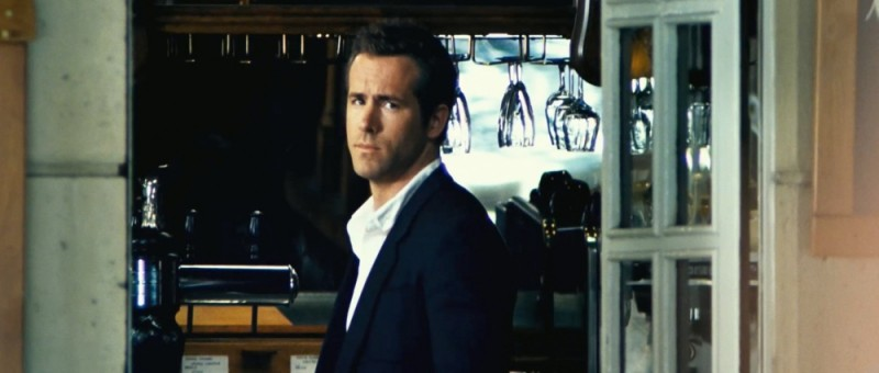 Safe House - Nessuno è al sicuro: Ryan Reynolds nei panni di Matt Weston in una scena del film