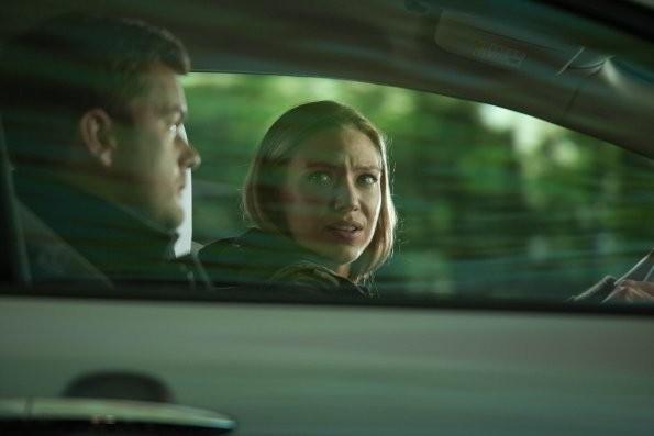 Fringe: Anna Torv e Joshua Jackson nell'episodio Back to Where You've Never Been