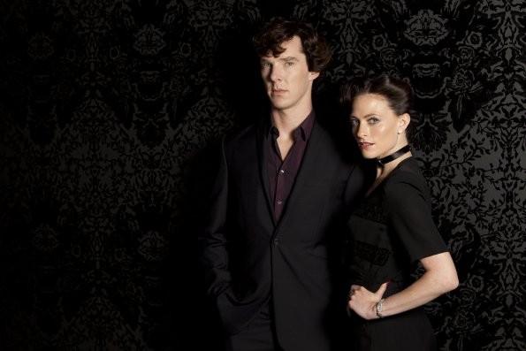 Sherlock: Benedict Cumberbatch e Lara Pulver posano per l'episodio A Scandal in Belgravia