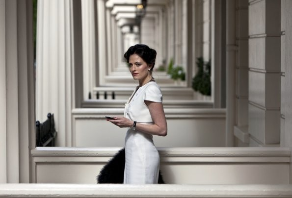 Sherlock: Lara Pulver nell'episodio A Scandal in Belgravia