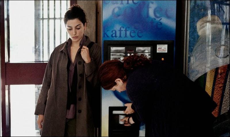 Dictado: Bárbara Lennie e Nora Navas in una scena del film