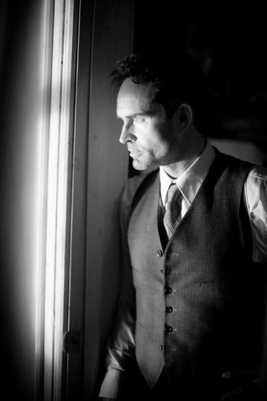 Keyhole: Jason Patric in una scena del thriller drammatico diretto da Guy Maddin