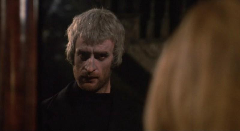 La casa che grondava sangue: Tom Adams in una sequenza del film