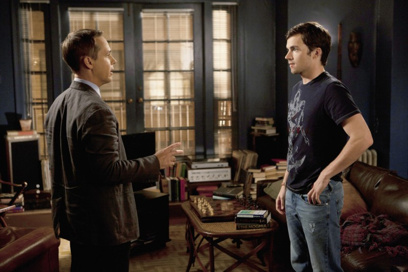Pretty Little Liars: Chad Lowe ed Ian Harding nell'episodio A Hot Piece of A
