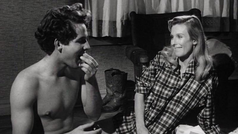 Timothy Bottoms e Cloris Leachman in un'immagine intima de L'ultimo spettacolo