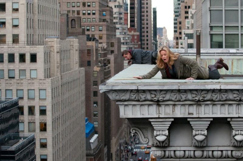 40 carati: Elizabeth Banks in una scena del film insieme a Jamie Bell