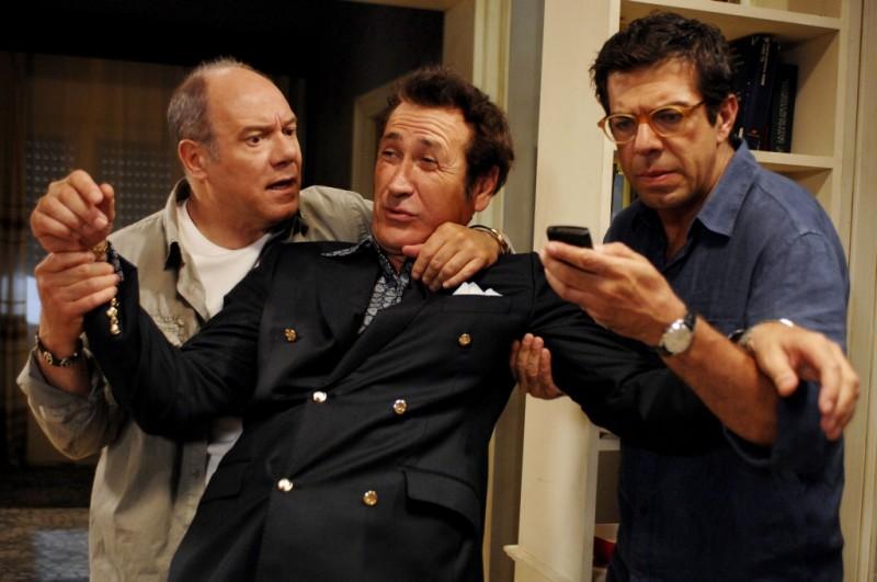 Carlo Verdone, Marco Giallini e Pierfrancesco Favino in una scena di Posti in piedi in Paradiso