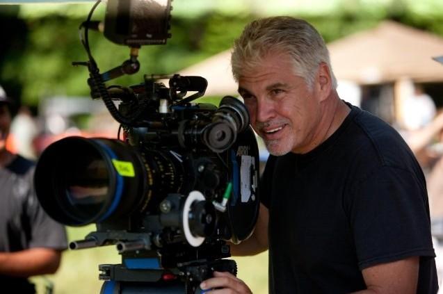 Il regista Gary Ross durante le riprese di The Hunger Games