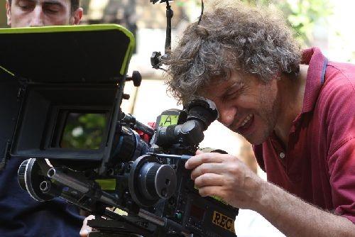 Il regista Giacomo Campiotti sul set del film tv di Rai Uno, La figlia del capitano