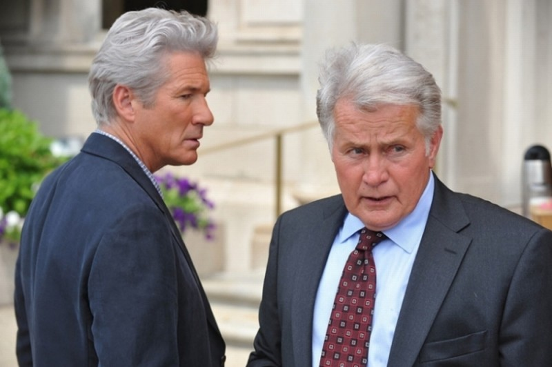 Richard Gere e Martin Sheen in una scena del thriller The Double