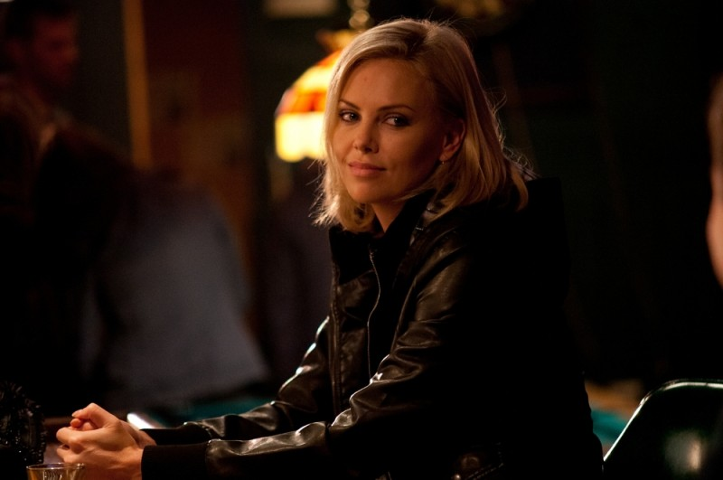 Una seducente Charlize Theron protagonista di Young Adult