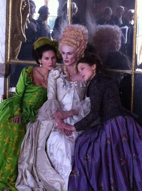 Virginie Ledoyen, Diane Kruger e Léa Seydoux in una scena di Farewell, My Queen