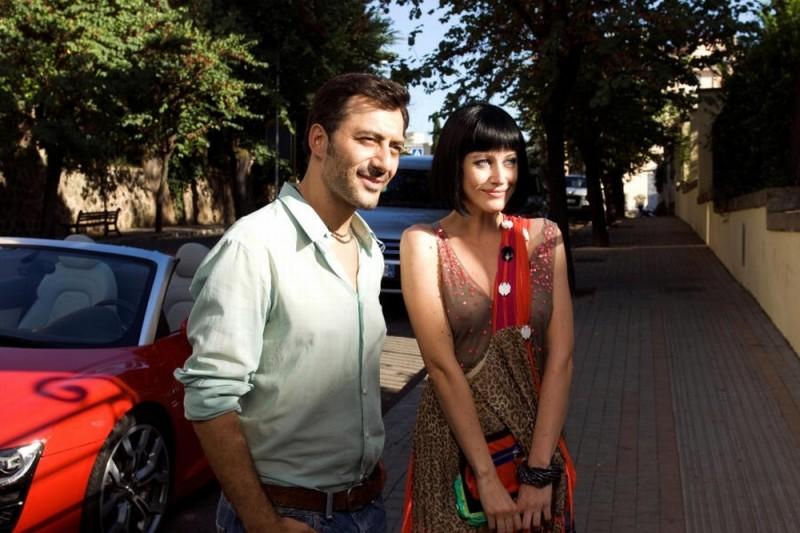 Giorgia Wurth insieme a Filippo Timi in una scena di Com'è bello far l'amore