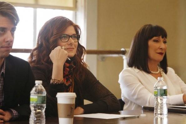 Smash: Christan Borle, Debra Messing ed Anjelica Huston nel pilot della serie NBC