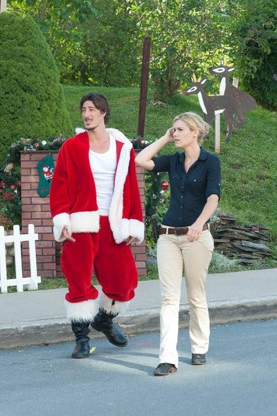 Haven: Emily Rose ed Eric Balfour in una scena dell'episodio Silent Night