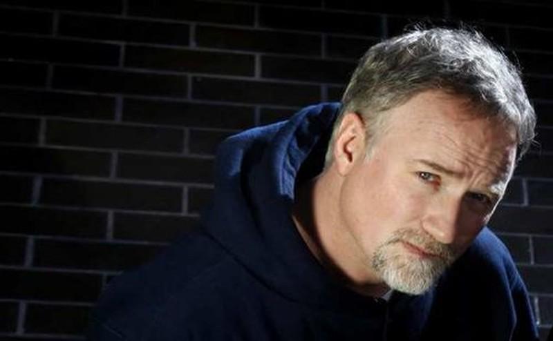 Il regista David Fincher posa in una foto promozionale di Millennium - Uomini che odiano le donne