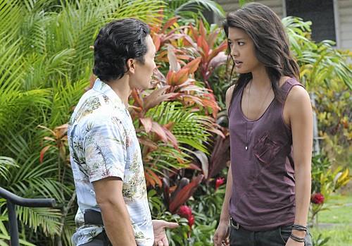 Hawaii Five-0: Daniel Dae Kim e Grace Park in una scena dell'episodio Mea Makamae