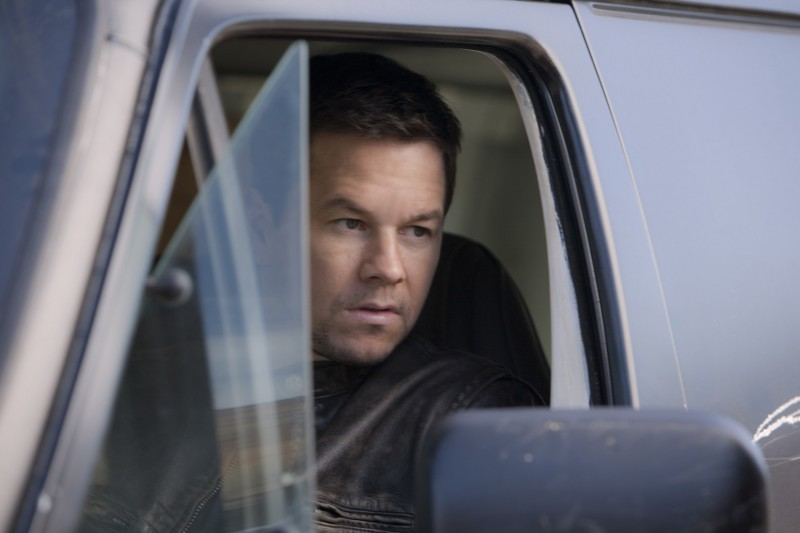 Mark Wahlberg in Contraband: una scena del film.