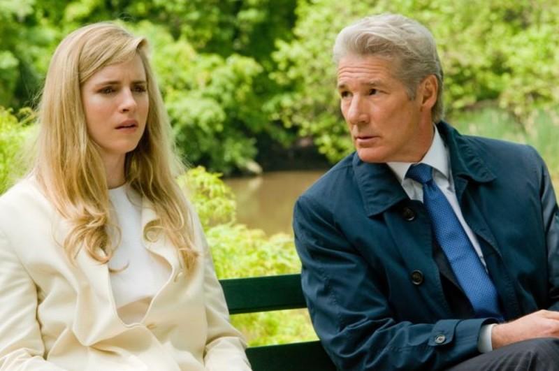 Richard Gere insieme a Brit Marling in una scena del thriller Arbitrage