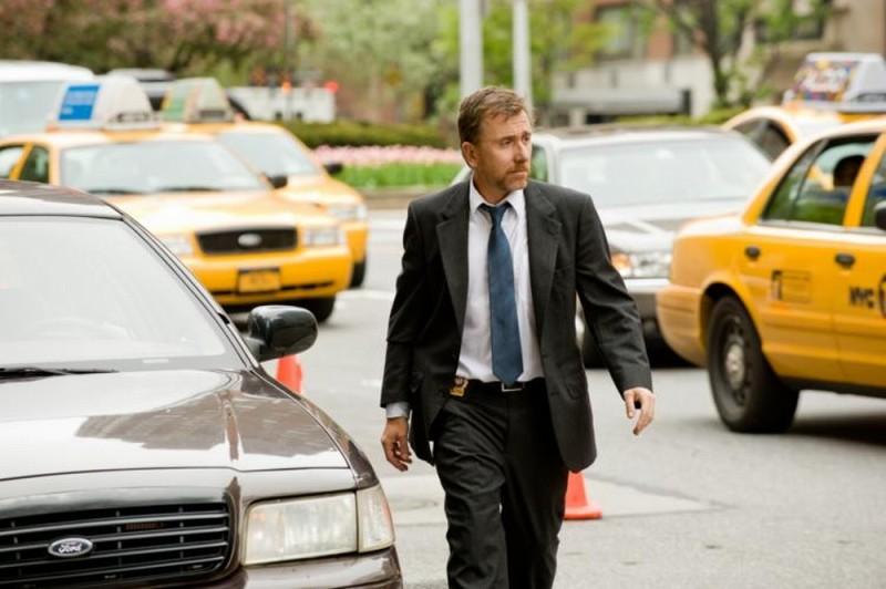 Tim Roth in una scena del thriller Arbitrage