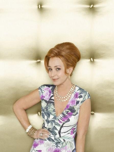 GCB: Annie Potts nel ruolo di Gigi Stopper