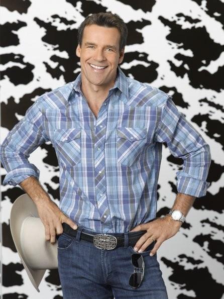 GCB: David James Elliott è Ripp Cockburn in una foto promozionale della serie