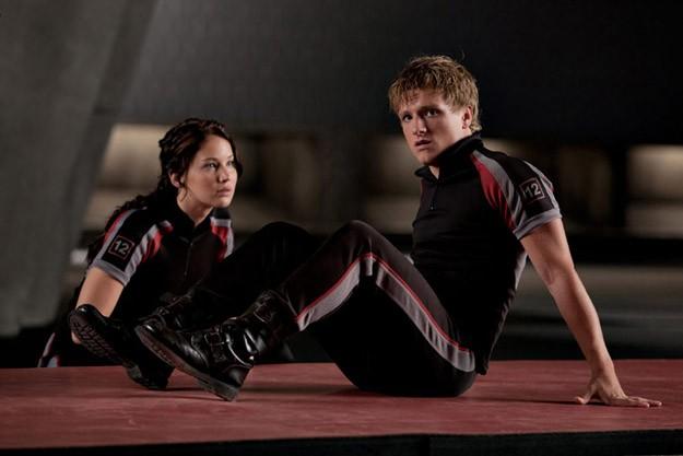 Jennifer Lawrence e Josh Hutcherson in tenuta da The Hunger Games