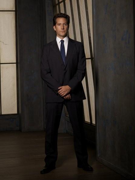 Scandal: Henry Ian Cusick nel ruolo di Stephen Finch