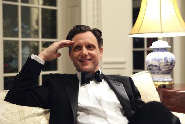 Scandal: Tony Goldwyn in una scena del pilot