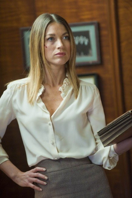 Justified: Natalie Zea nell'episodio Save My Love