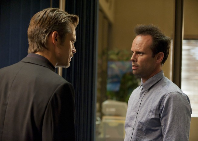Justified: Walton Goggins e Timothy Olyphant nell'episodio The Gunfighter