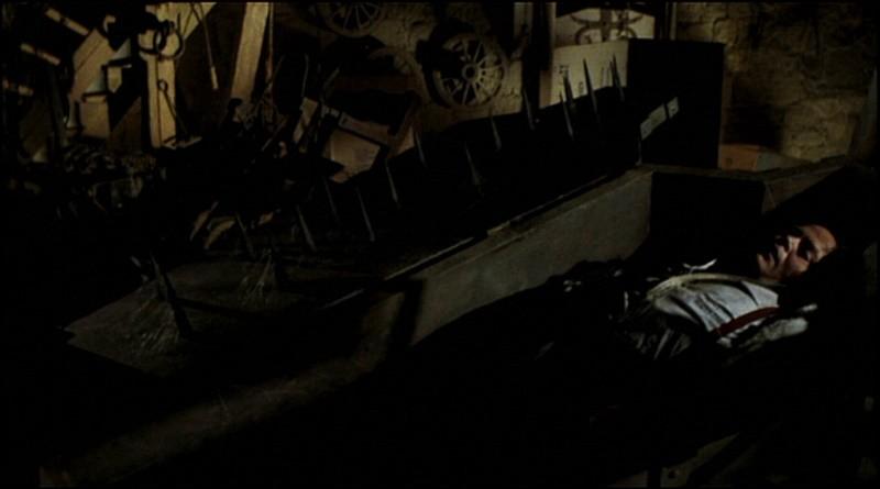 Gli orrori del castello di Norimberga: Luciano Pigozzi in una scena del film