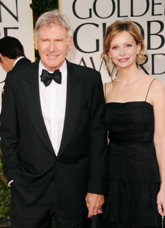 Harrison Ford e Calista Flockhart sul tappeto rosso dei Golden Globes 2012