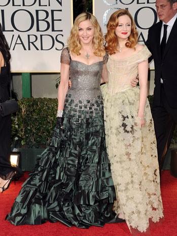 Madonna ed Andrea Riseborough sul tappeto rosso dei Golden Globes 2012