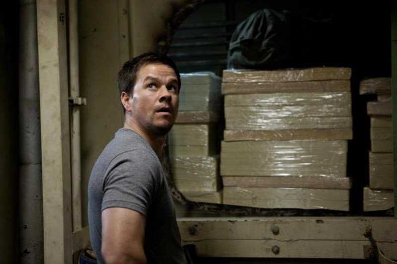 Mark Wahlberg in una scena di Contraband