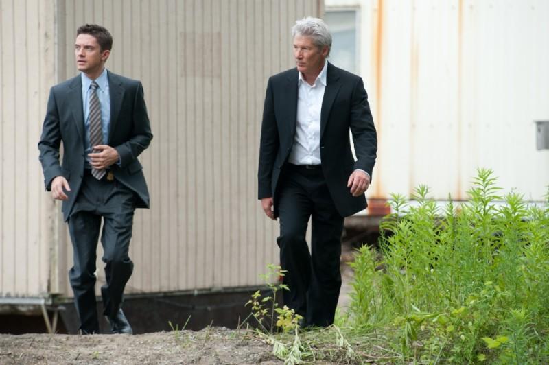 Richard Gere e Topher Grace in una scena del thriller poliziesco The Double
