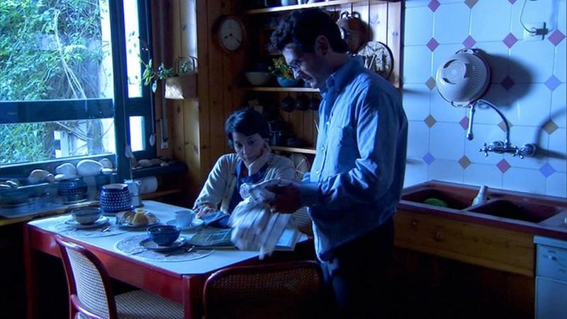 Sulla strada di casa: Donatella Finocchiaro e Vinicio Marchioni in una scena del film