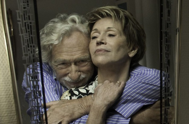 Jane Fonda con Pierre Richard in And If We All Lived Together